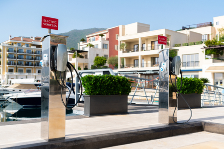 Electric car charging station  by the sea Фото со стока - 122109614
