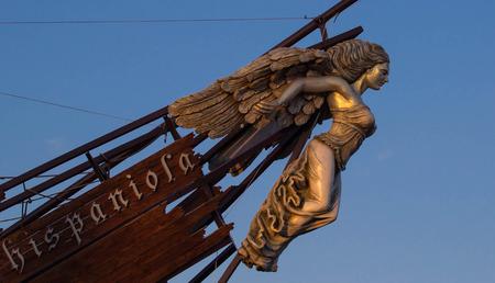 壊れた船の木製の表看板。イスパニョーラ島