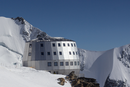 Mont Blanc, Refuge Du Gouter 3835 m, The popular starting point for attempting the ascent of Mont Blanc , 스톡 콘텐츠