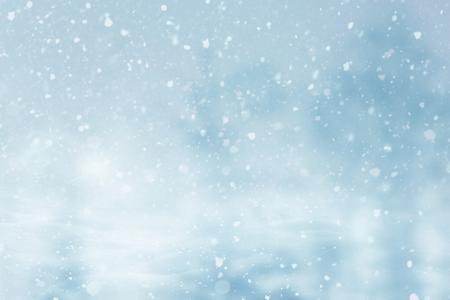 Abstrakter Weihnachtswinter verschneiter Hintergrund