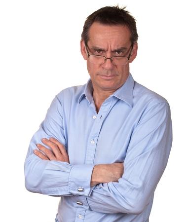 personne en colere: Angry Man froncement de sourcils du Moyen Age en chemise bleu Banque d'images