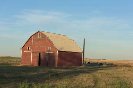 old red barn: Red Barn
