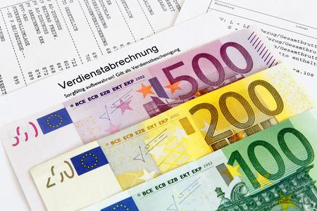 remuneraci�n: N�mina alem�n con los billetes en euros