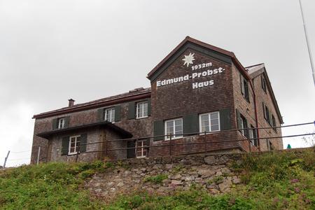 overnight stay: Alpine hut Edmund-Probst-Haus in the fog