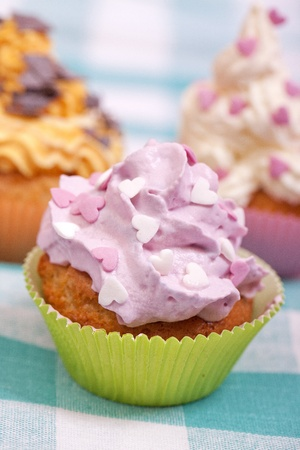 calories poor: three cupcakes with sprinkles party