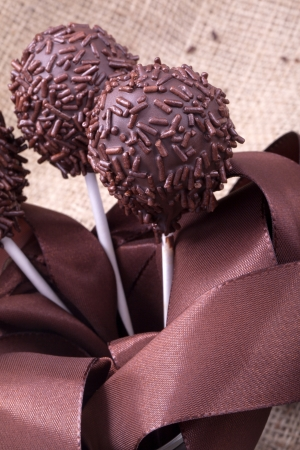 weihnachtskuchen: Schokolade sprincle cakepops Party Essen süße Nachspeise