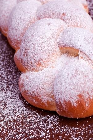 levure: pain � la levure sucr�e tress�e Banque d'images