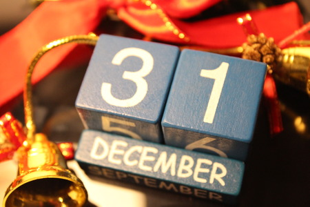 31 December date cubes and red line