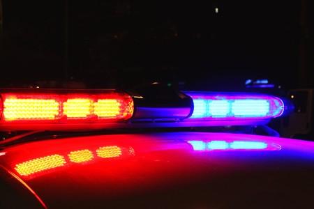 policier: feux de police par nuit