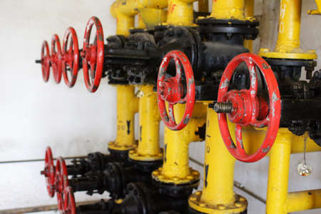 Gas gate valve red hand-wheels row