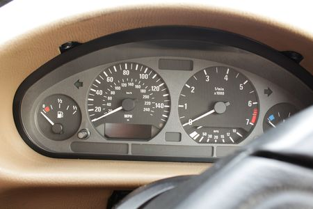gauges: Speedometer and tachometer gauges