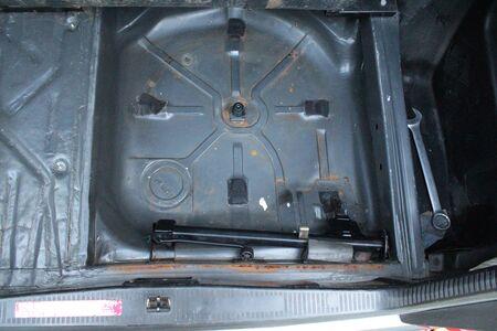 niche: Niche for spare wheel