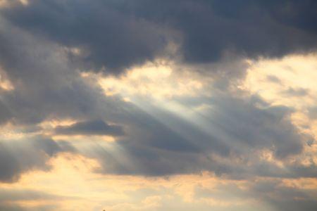 구름 뒤의 태양