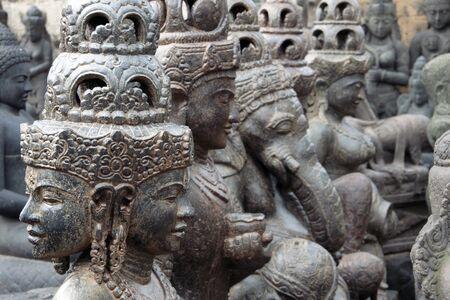 enthroned: Skulptur in Thailand Stock Photo