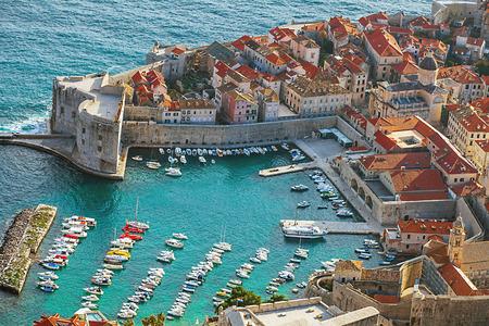 Hafen und Altstadt von Dubrovnik Kroatien