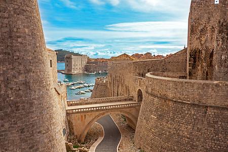 Old town and harbor of Dubrovnik Croatia Standard-Bild