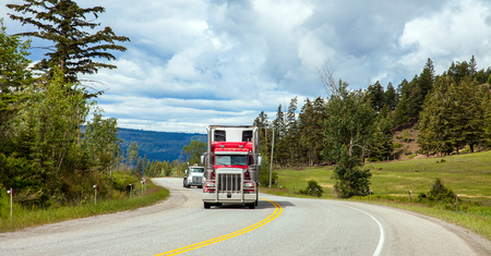Truck at Williams Lake in British Columbia Canada Standard-Bild - 111066132