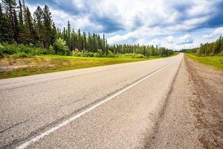 Auf der Autobahn zwischen Grande Prairie und Grande Cache Alberta Canada