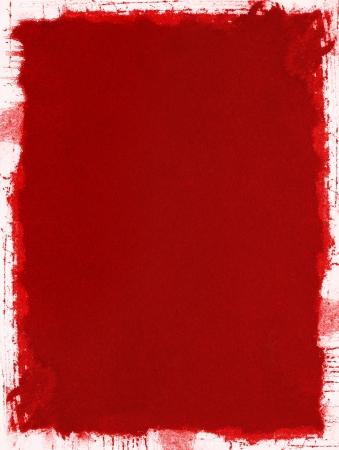 beroerte: Een rode grunge paper achtergrond met spetterde en ongelijke randen.