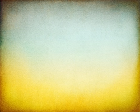 미묘한 녹색 톤의 그라데이션에 노란색 질감, 빈티지 종이 배경. 스톡 콘텐츠