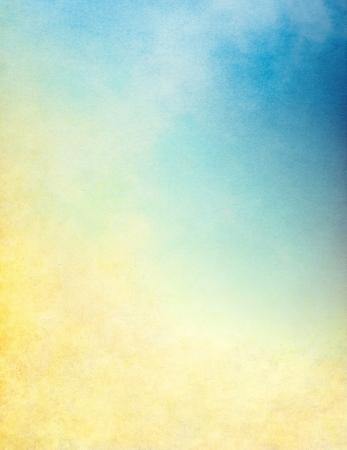 빈티지 종이 곡물, 텍스처, 그런 지 얼룩 구름, 안개와 안개. 이미지 블루 그라데이션에 노란색을 표시합니다.