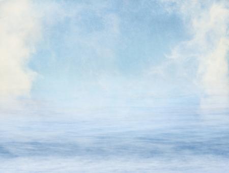 물 위에 안개와 구름 질감 된 종이 배경으로 입혔다. 이미지는 100 % 기쁘게 곡물을 표시합니다.