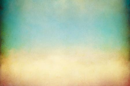 Een zachte, golvende wolk met vintage kleuren en texturen Image geeft een aangename papier korrel zichtbaar op 100 procent
