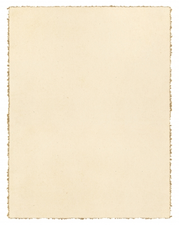 装飾的な deckled エッジを白で隔離されるヴィンテージの茶色の紙 写真素材