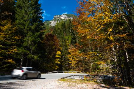 Nationalpark Triglav, Tolmin, Goriska, Slowenien, Europa, Oct. 2018, Car in autumnal colorful national park Stock Photo