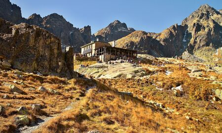 The highest cottage is built in the High Tatras in the Little Cold Valley. 版權商用圖片