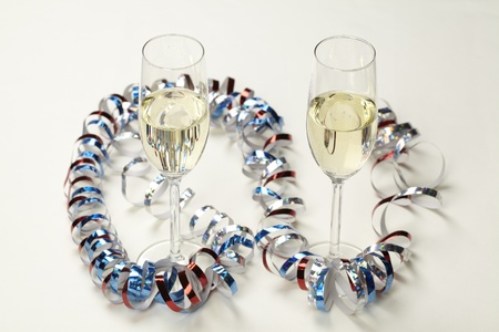 Champagne glasses with streamers