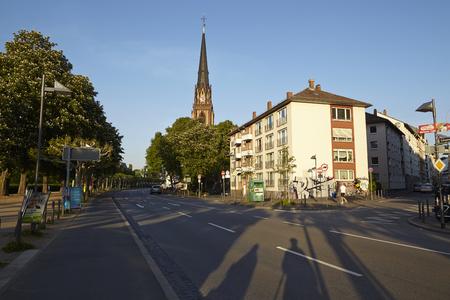 sachsenhausen: Chiesa dei Re Magi a Francoforte (sul Meno) prese in prima serata.