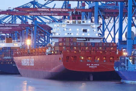 sued: The container vessel Rio Blanco (Hamburg Sued) is loaded  unloaded the terminal Burchardkai in the deepwater port Hamburg-Waltershof on August 8, 2014.