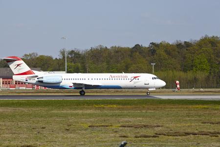 jetliner: A Fokker 100 of Austrian Airlines takes off at Frankfurt International Airport (Germany, FRA) on April 23, 2015.