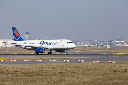 jetliner: The Onur Air Airbus A320-232 with identification TC.OBO takes off at Frankfurt International Airport (Germany, FRA) on March 18, 2016.