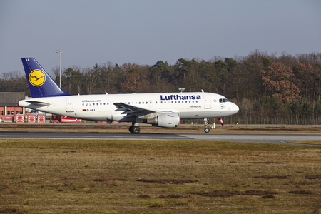 jetliner: The Lufthansa Airbus A319-114 with identification D-AILL takes off at Frankfurt International Airport (Germany, FRA) on March 18, 2016.