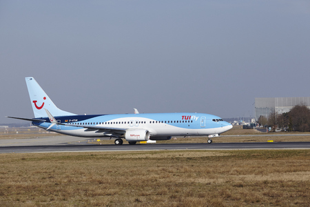 boeing: The TUIfly Boeing 737-8K5 with identification D-ATUM takes off at Frankfurt International Airport (Germany, FRA) on March 18, 2016.