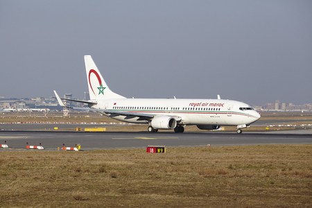 maroc: The Royal Air Maroc Boeing 737-86N with identification CN-RGG takes off at Frankfurt International Airport (Germany, FRA) on March 18, 2016.