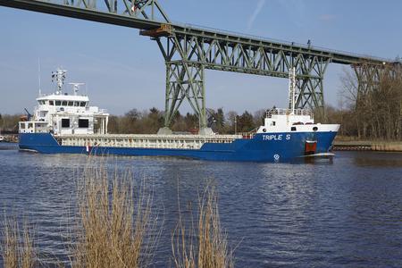 schleswig holstein: The general cargo vessel Triple S at the Kiel Canal near Hochdonn (Germany, Schleswig Holstein) on April 2, 2016.
