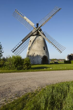 The windmill Hille (Northrhine Westphalia) is a dutch type of windmill and is part of the Westphalia Mill Street (Westfaelische Muehlenstrasse). Stockfoto