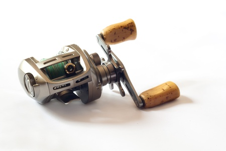 fishing rig: low-proflile casting reel