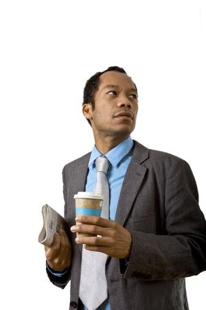 Business Männchen haben einen Bruch mit Kaffee und Papier