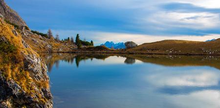 Colorful autumn landscape in Italian Alps, Dolomite, Italy, Europe. 版權商用圖片