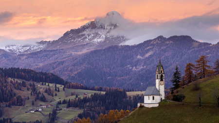 Autumn landscape with bright colors at Dolomites, Italy. Stock Photo - 124968117