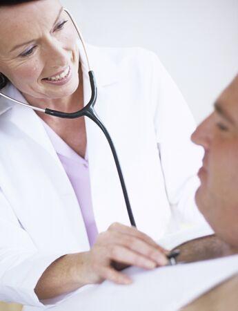 interacts: Stethoscope examination