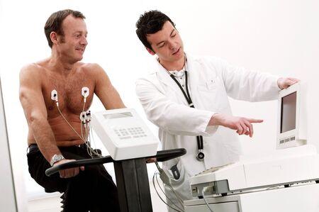 cardiovascular exercising: Heart fitness test LANG_EVOIMAGES