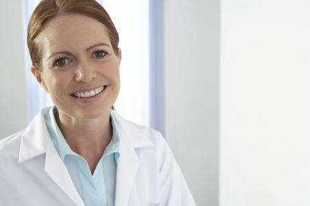 alternative practitioner: Chiropractor LANG_EVOIMAGES