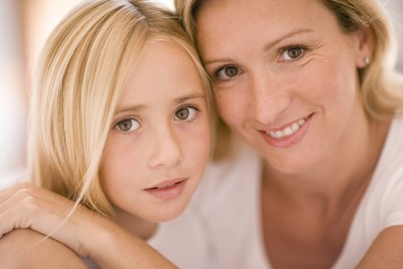 interacts: Mother and daughter