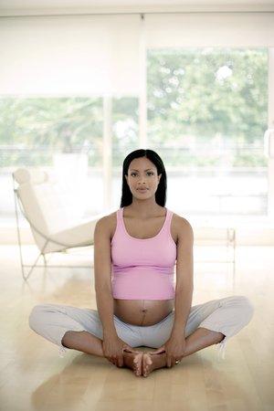 Yoga in pregnancy LANG_EVOIMAGES