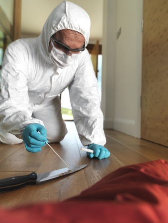 evidence bag: Collecting forensic evidence